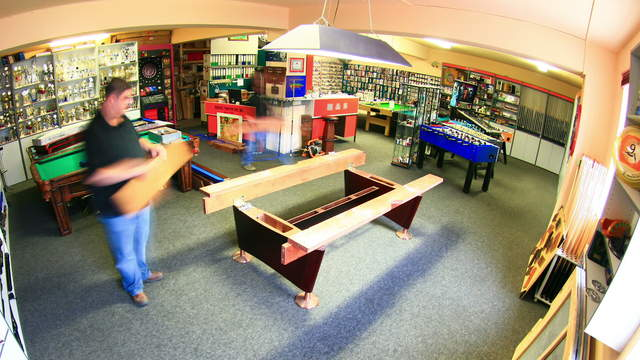 Assembly Pool-Table