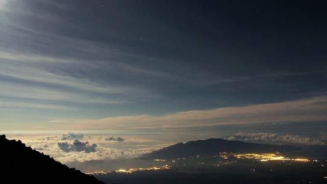 Haleakala moonset and sunrise