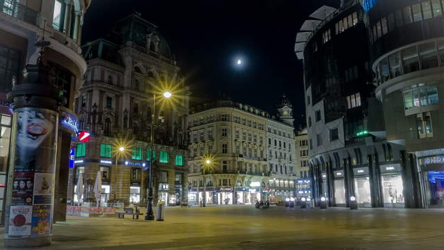 Historical inner city in the light of a full moon – Zoom