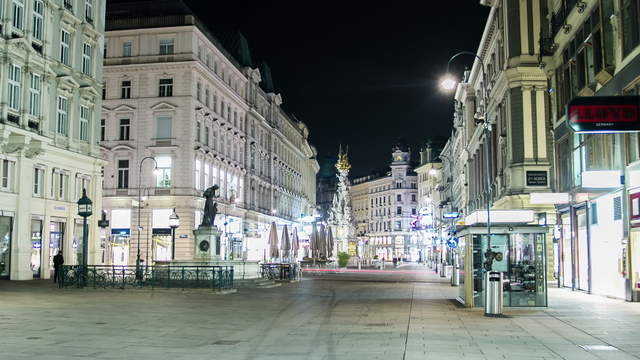 Graben and St. Stephan's cathedral Vienna at night – Hyperlapse