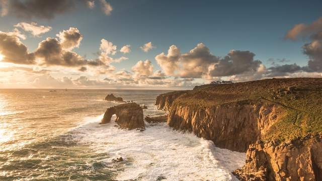 Enys Dodnan Arch - Land's End in Cornwall