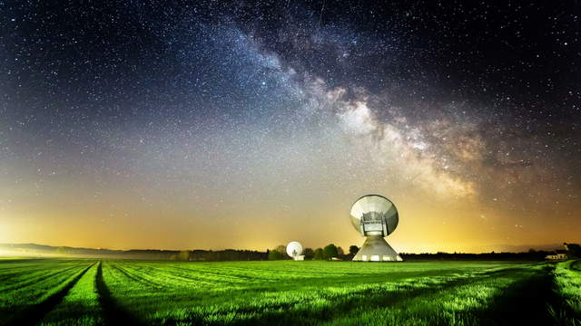 4K Video Loop - Milky Way Satellite Dish