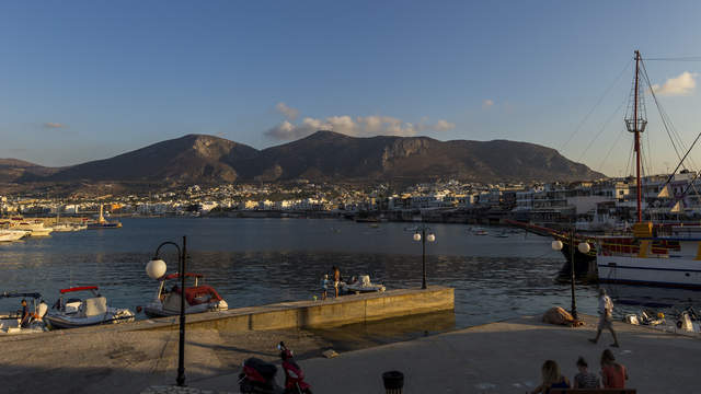 Day-night transition in the port of Hersonissos