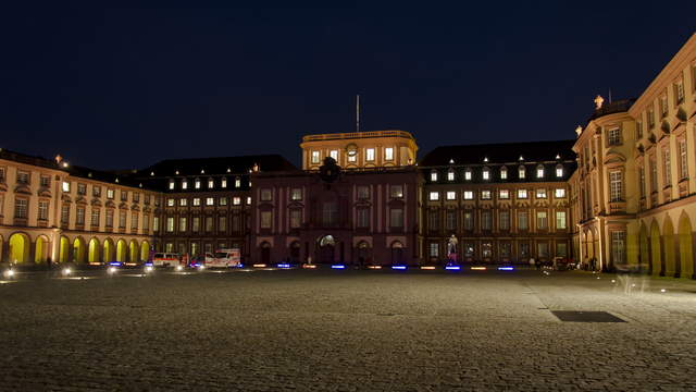 Mannheim Hyperlapse 4K - Mannheim Palace sidewise from Dusk to Night