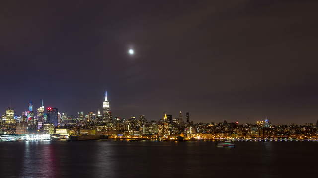 Time lapse clip - Moon over NYC